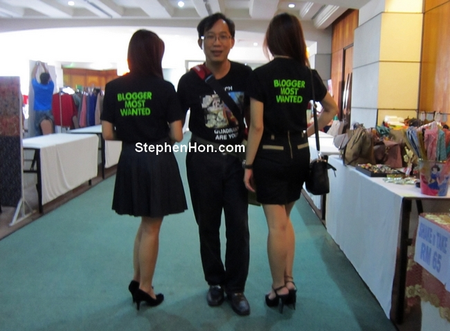 Blogger Most Wanted Stephen Hon With Event Sexy Models - StephenHon